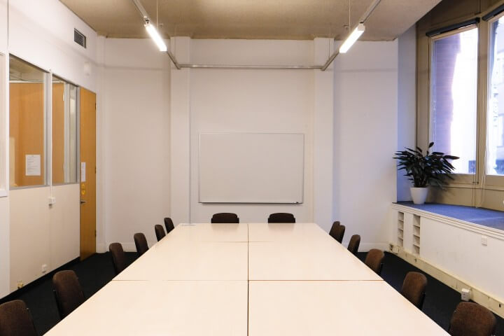 2.2 – Meeting Room
